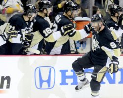 Pittsburgh Penguins Pascal Dupuis Scores in Pittsburgh