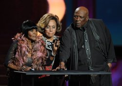 Cicely Tyson, Diahann Carroll and Louis Gossett Jr. announce Viola Davis as the Outstanding Actress winner at the 43rd NAACP Image Awards in Los Angeles