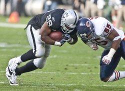 Raiders defeat the Bears 25-20 in Oakland, California