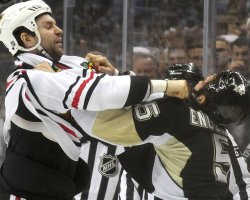 Blackhawks John Scott Fights With Pens Deryk Engelland in Pittsburgh