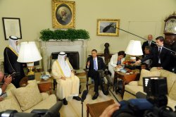 Obama meets with Saudi King Abdullah in Washington