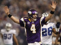 Favre celebrates touchdown pass against Cowboys in Minneapolis