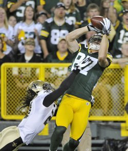 Packers Nelson catches pass against Saints in Green Bay, Wisconsin