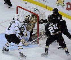 Anaheim Ducks vs Dallas Stars in Game 5 of the Western Conference quarterfinals in Anaheim, California