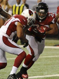The Atlanta Falcons play the Arizona Cardinals in Atlanta