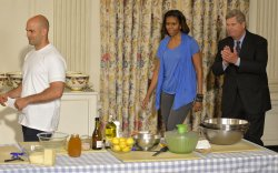 First Lady Michelle Obama holds event to highlight White House Garden