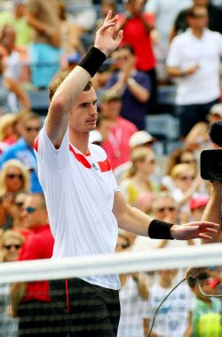 Andy Murray defeats Florian Mayer at the U.S. Open in New York