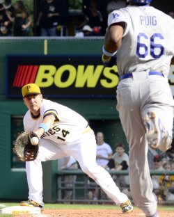 Dodgers Yasiel Puig out at First in Pittsburgh