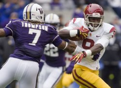 USC Trojans wide receiver Robert Woods runs after catching a pass against the Washington Huskies at CenturyLink Field in Seattle.