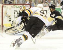 Boston Bruins David Krejci Scores in Pittsburgh