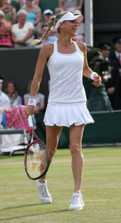 Kournikova warms up at the Wimbledon Championships