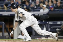 Yankees Todd Frazier hits a home run in ALCS
