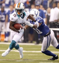 Indianapolis Colts vs Miami Dolphins in Indianapolis