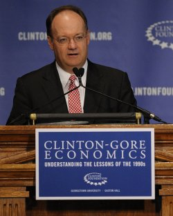 Clinton Foundation hosts economics symposium in Washington