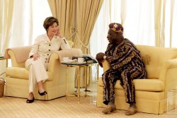 LAURA BUSH VISITS NIGERIAN PRESIDENT