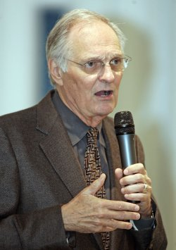Alan Alda appears at a book signing in Coral Gables, Florida