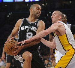 Los Angeles Lakers play San Antonio Spurs in Los Angeles