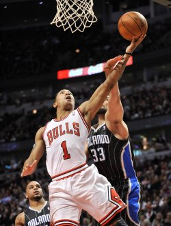 Bulls' Rose shoots as Magic's Anderson Defends in Chicago