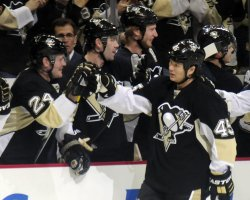 Pens Asham Scores in First Period in Pittsburgh