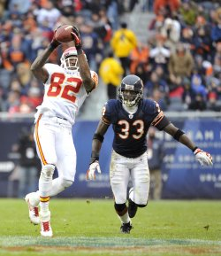 Chiefs Bowe catches pass as Bears Tillman defends in Chicago