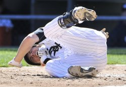 White Sox Lillibridge hit by pitch against Twins in Chicago