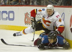Flames Bouwmeester Jumps on Avalanche Yip in Denver