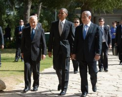 Obama Visits the Grave of Former PM Yitzhak Rabin in Israel