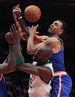 New York Knicks Jared Jeffries and Boston Celtics Kevin Garnett at Madison Square Garden in New York