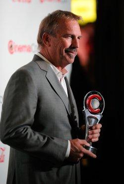 Kevin Costner arrives at the 2014 CinemaCon Awards Ceremony in Las Vegas