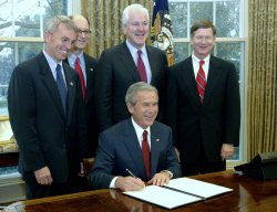 PRESIDENT BUSH SIGNS EXECUTIVE ORDER