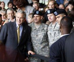Bush celebrates Thanksgiving in Virginia