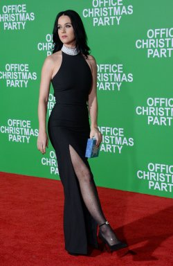 """Katy Perry attends the """"Office Christmas Party"""" premiere in Los Angeles"""