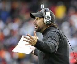 Chiefs coach Haley yells against Bears in Chicago