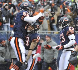 Bears Olsen, Knox, Hester celebrate touchdown in Chicago