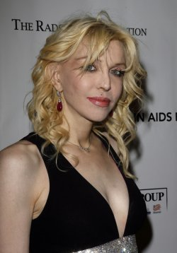 """Courtney Love arrives at """" An Enduring Vision"""" Elton John Aids Foundation Benefit at Cipriani in New York"""