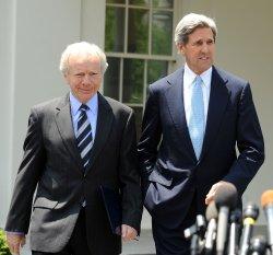 Obama meets with Senators on climate change, energy legislation at White House