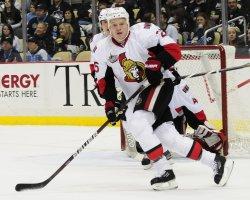 Ottawa Senators Chris Neil Scores in Pittsburgh