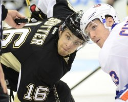 Pens Sutter and Islanders Cizikas Face-off in Pittsburgh