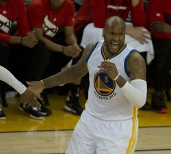 Warriors Marreese Speights complains to the ref