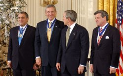 BUSH AWARDS PRESIDENTIAL MEDAL OF FREEDOM TO FRANKS, BREMER, TENET