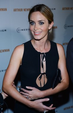 """Emily Blunt attends the """"Arthur Newman"""" premiere in Los Angeles"""