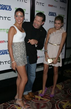 "Stephen Baldwin and daughters arrive for the ""Monte Carlo"" screening in New York"