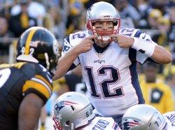 New England Patriots Tom Brady Signals to Offense