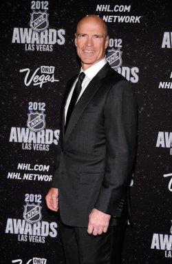 Mark Messier arrives at the 2012 NHL Awards in Las Vegas