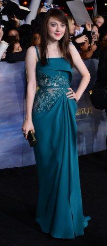 "Dakota Fanning attends ""The Twilight Saga: Breaking Dawn - Part 2"" premiere in Los Angeles"