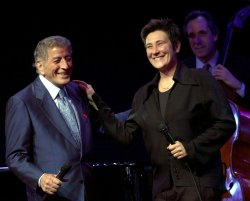 Tony Bennett and K.D. Lang perform for DNC voter registration drive concert