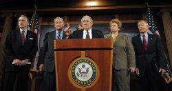 Senators discuss auto maker bailout in Washington