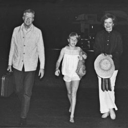 the Carter family cuts short their vacation to dela with gasoline crisis