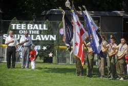 Bush host White House Tee Ball game in Washington