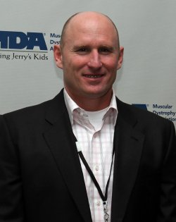 Jeff Feagles at the Muscular Dystrophy Association's 2010 Muscle Team Gala in New York